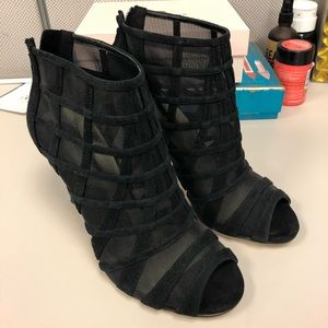 New Karen Millen Patterned black booties size 38